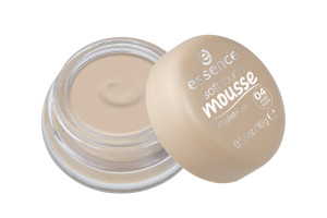 essence soft touch mousse make-up