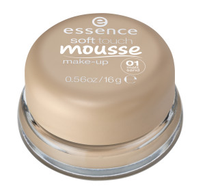 ess. soft touch mousse make-up #01 closed