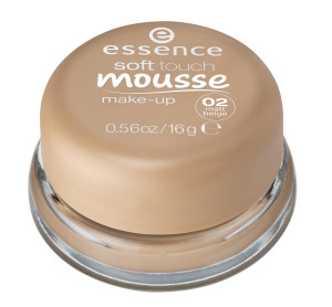 ess. soft touch mousse make-up #02 closed